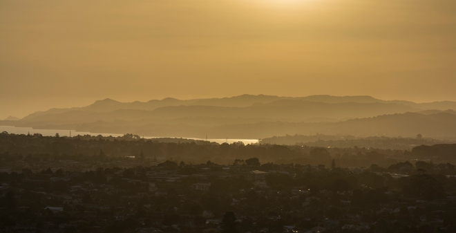 Sunset over Waitakeres med res